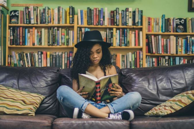 How-To-Improve-Your-Reading-Habit-With-These-6-Simple-Hacks